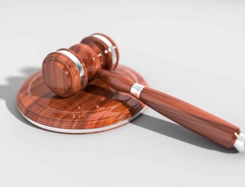 Uresničevanje pravice do odvetnika in pravne pomoči