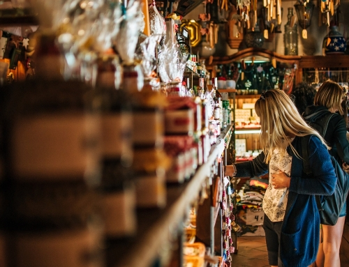 Katja Simončič: Potrošništvo nas sili v konformizen